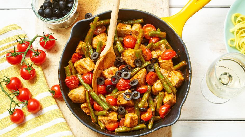 Mediterraner Thunfisch mit Oliven