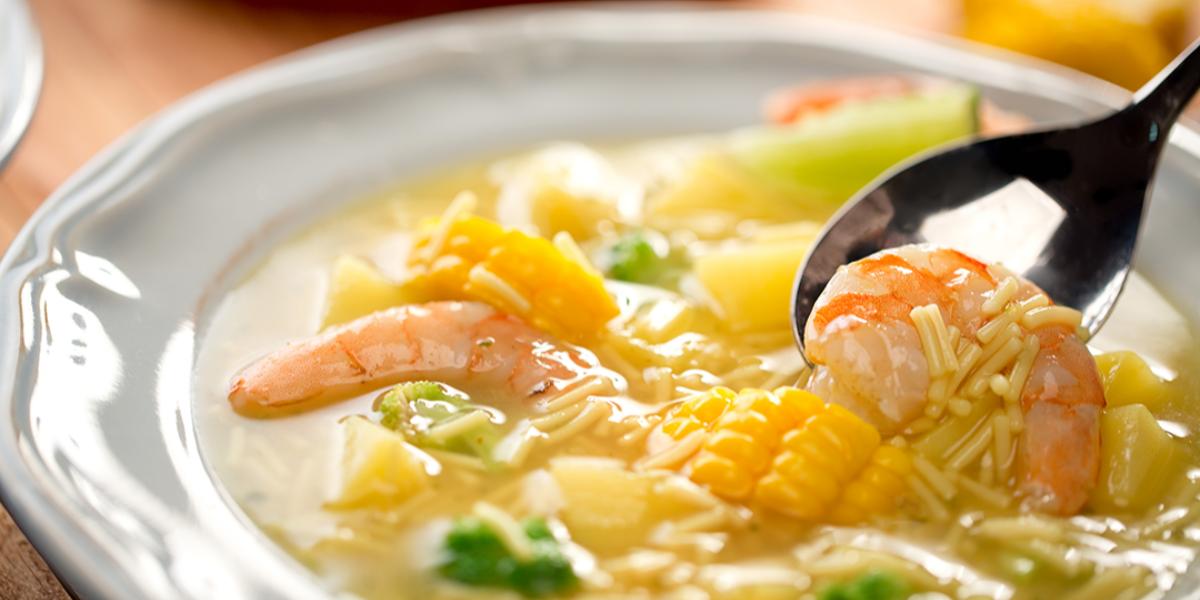 Sopa de Fideos, Pollo y Camarones
