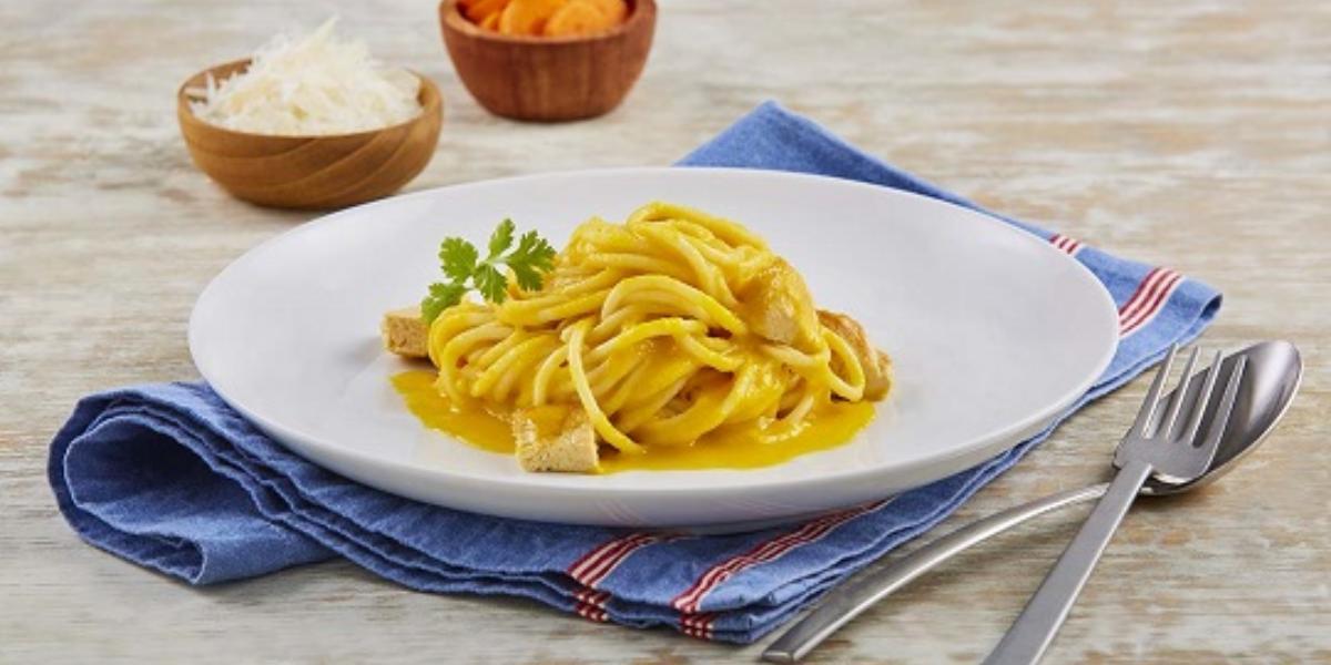 Spaguetti con salsa de zanahoria asada