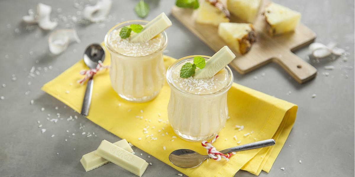 Beijinho-de-Colher-com-KitKat-Pineapple-Receitas-NESTLÉ