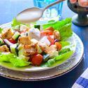 Hideg, görög csirkesaláta joghurtos szósszal