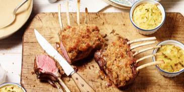 Lamm mit Nuss-Feigen-Kruste und Lauch-Kartoffelküchlein