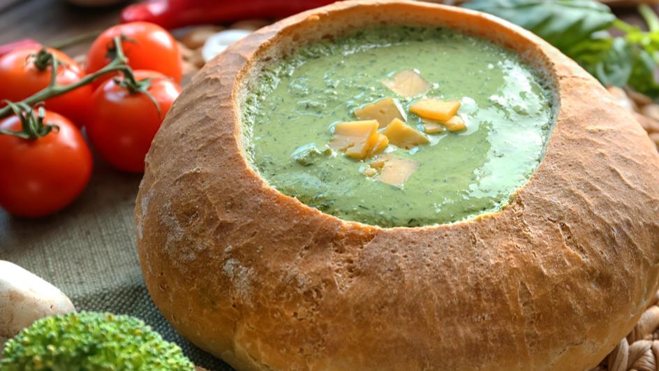 Супа со спанаќ и сирење