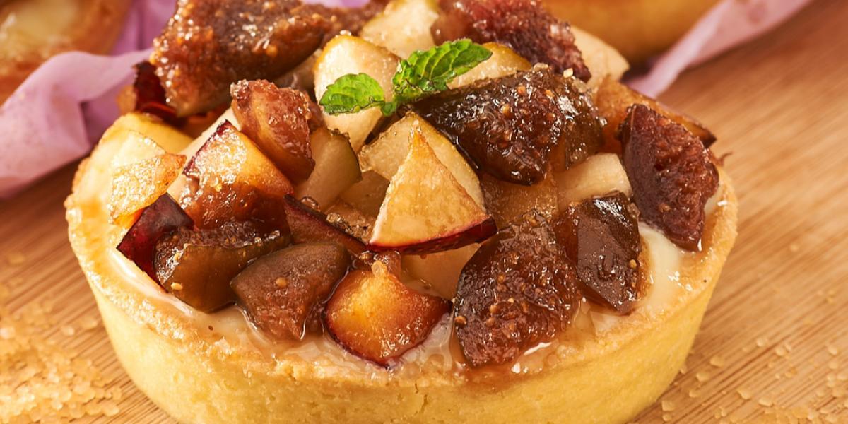 Kuchen Húmedo de Peras y Ciruelas sin Gluten