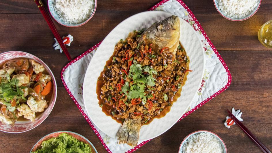 Ikan Goreng Dengan Jeruk Choy Sum