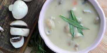Zupa pieczarkowa ze świeżym estragonem