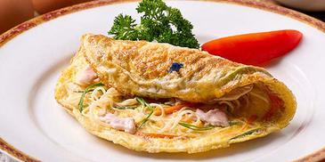 Chicken & Noodle Omelette
