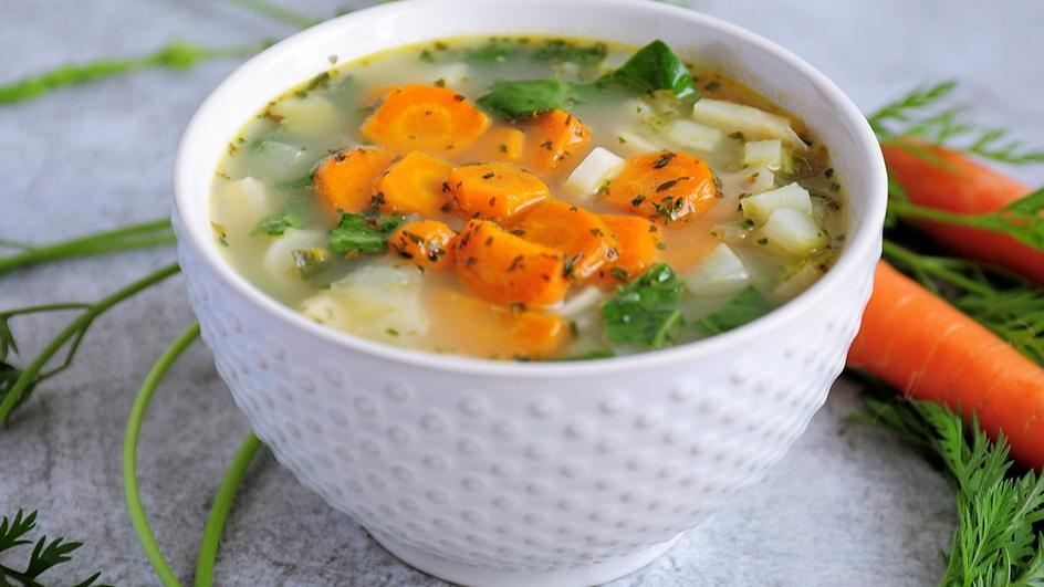 Zupa kalarepowa z marchewką