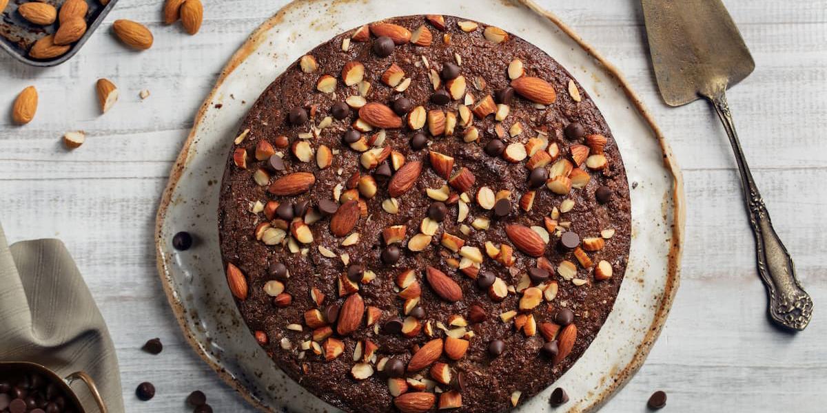 Torta de almendra con chispas de chocolate sin gluten