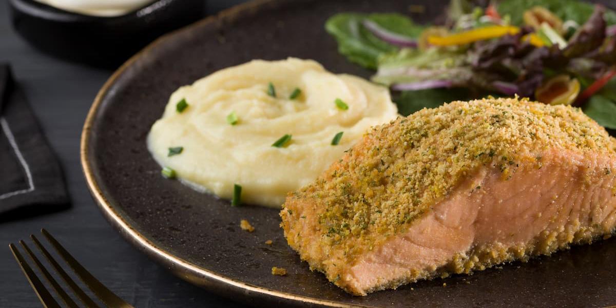 Salmon al horno en costra cítrica