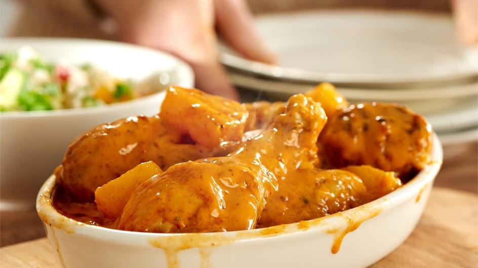 Soczysty kurczak w curry z ananasem