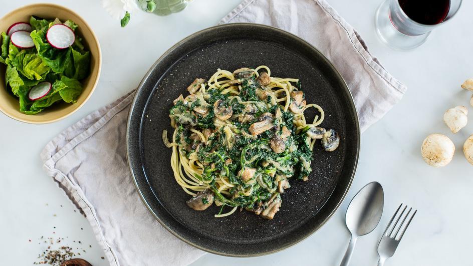 Spaghetti mit Spinat-Pilzsauce