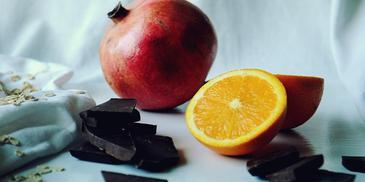 Rozgrzewająca owsianka z czekoladą i pomarańczą