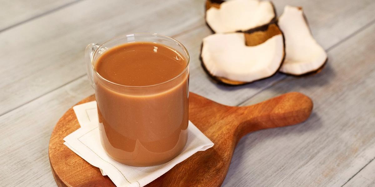 Atole de coco y chocolate