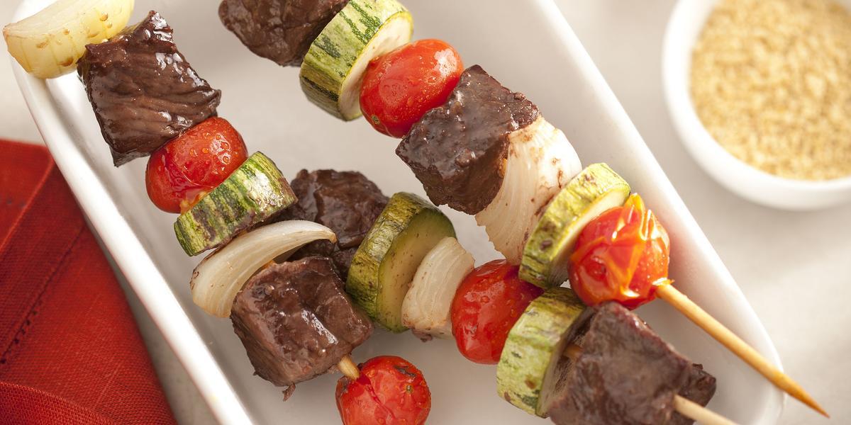 espetinhos-carne-legumes-receitas-nestle