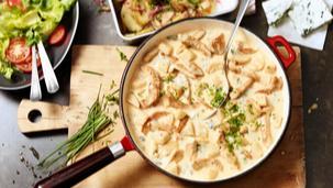 Putenpfanne mit Birne und Blauschimmelsauce