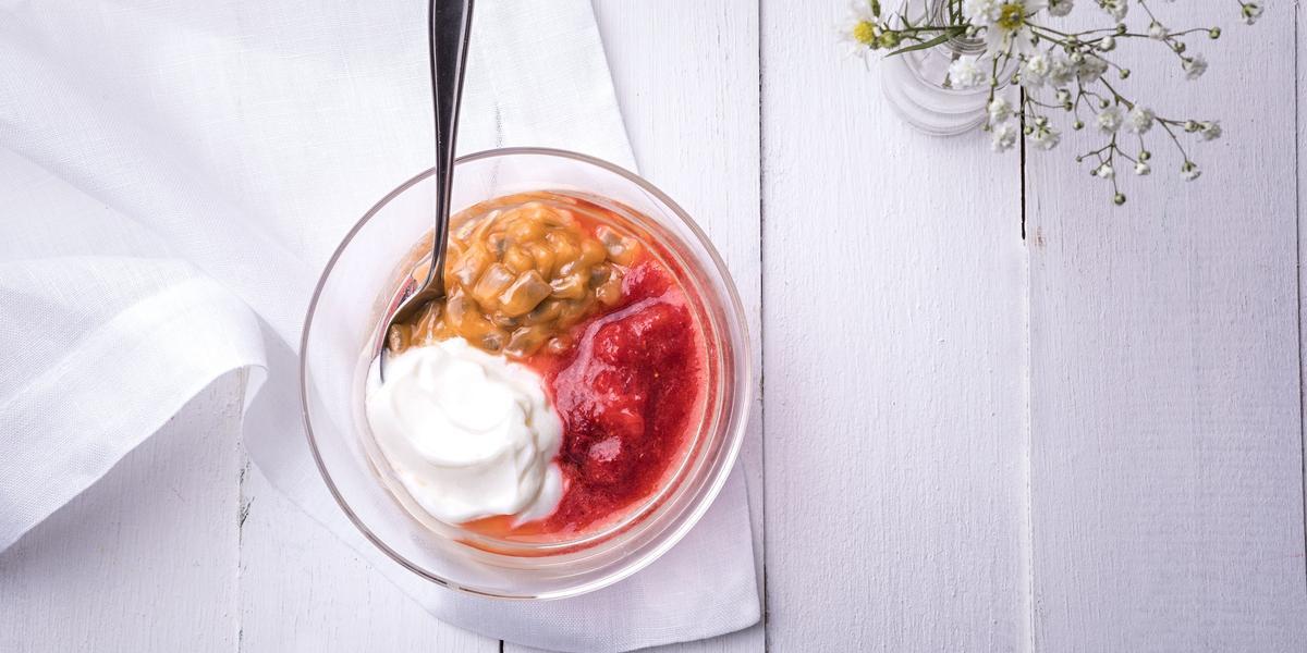 pure-morango-iogurte-grego-maracuja-doce-receitas-nestle