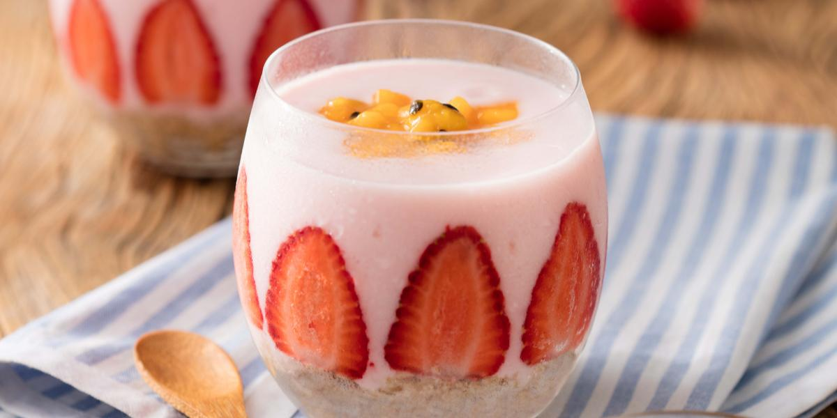 parfait-manga-maracuja-iogurte-morango-crumble-aveia-nozes-receitas-nestle