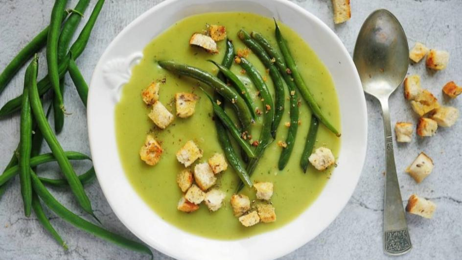 Zupa krem z zielonych warzyw z grzankami