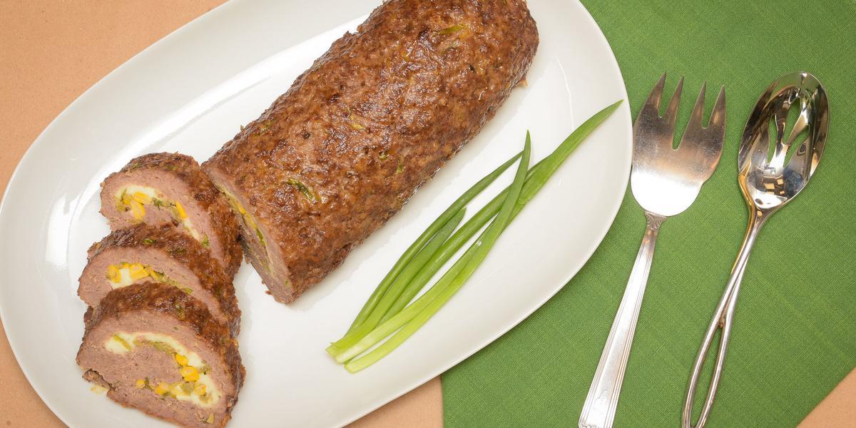 bolo-de-carne-aveia-recheado-Receitas-NESTLÉ