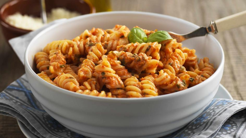 Rotini with Roasted Red Bell Peppers