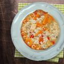 Pikantna pileća supa sa paprikama i rižom