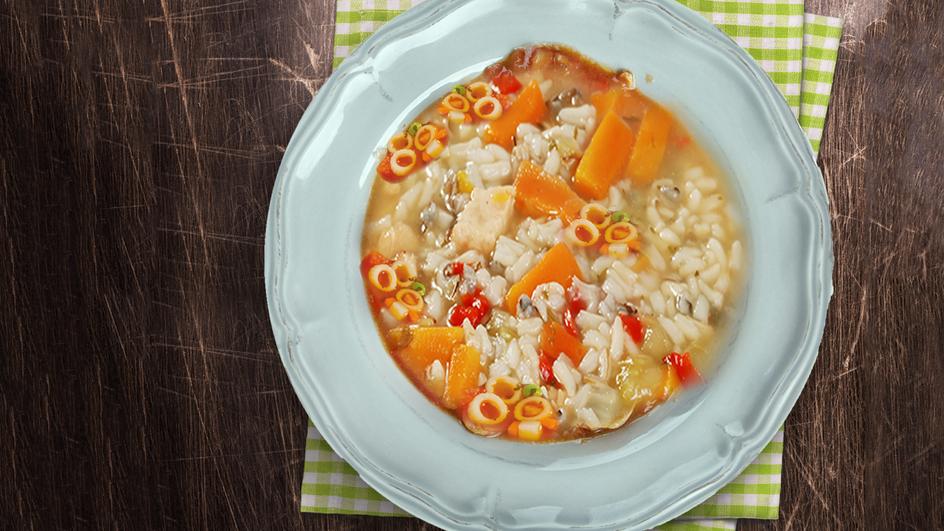 Pikantna juha s papriko in rižem