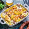 Kartoffel-Gratin mit Mettwürstchen