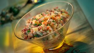 Salata de pui cu porumb si maioneza