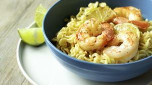 Ricetta Noodles XXL al gusto curry con gamberi e lime