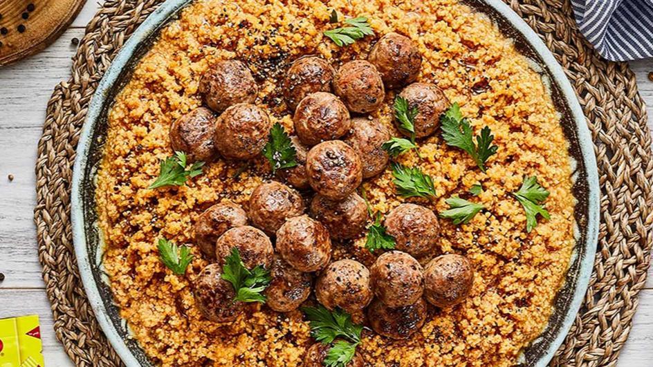 Tomato Burgol & Meatballs