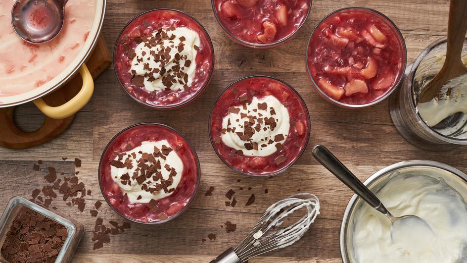 Rhabarberkompott mit Joghurt-Topping