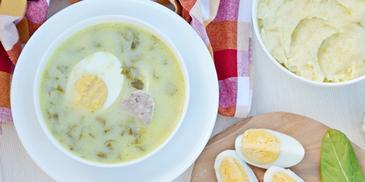 Zupa szczawiowa z jajkiem i tłuczonymi ziemniakami