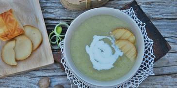 Zupa z pora z grillowanymi oscypkami