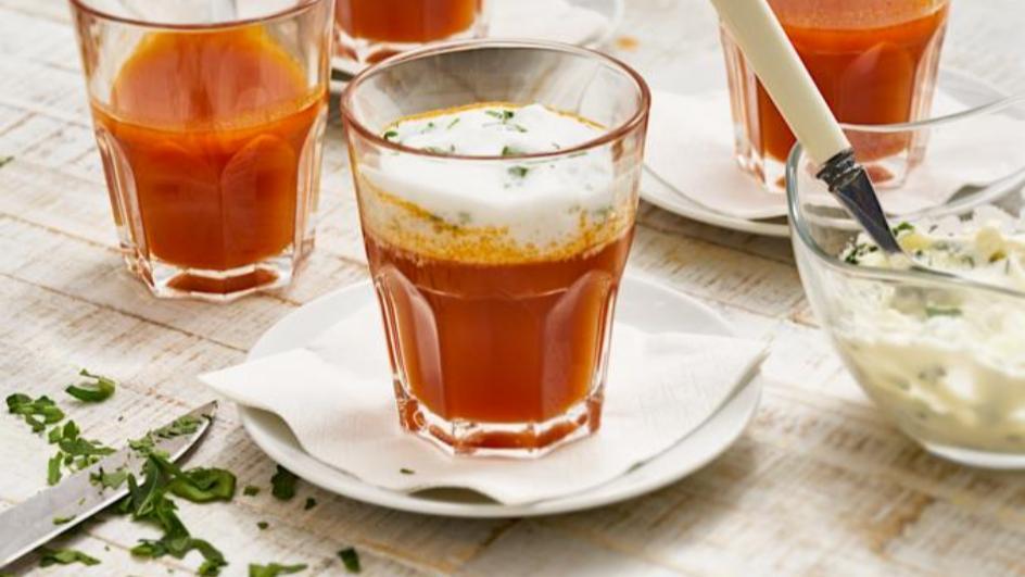 Tomaten-Cappuccino mit Rucola-Schaum