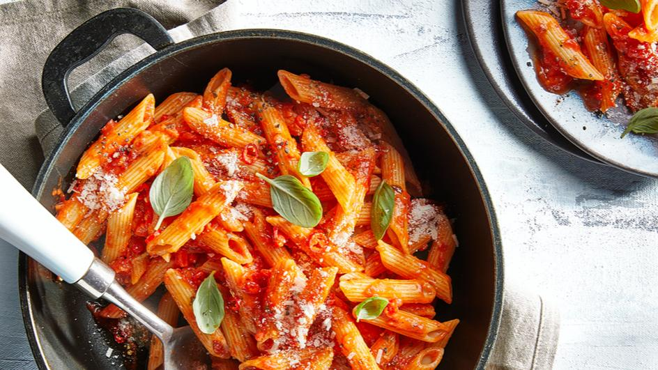 Penne with Spicy rose sauce