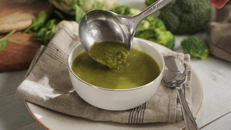 MAGGI kremna Super juha z brokolijem in cvetačo