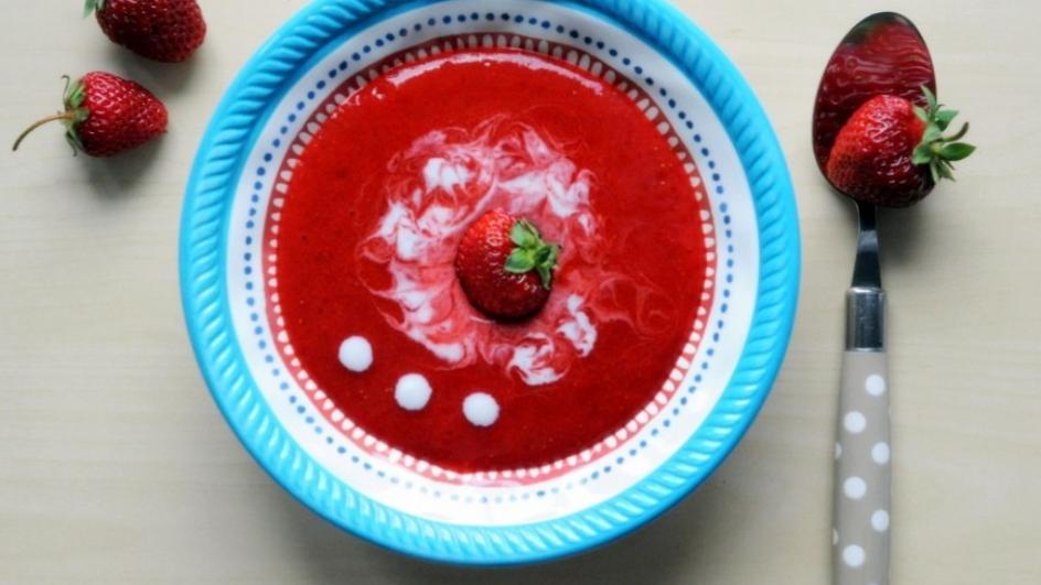 Zupa truskawkowa z jogurtem