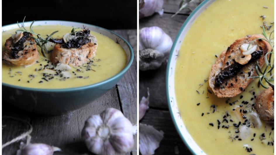 Kremowa zupa czosnkowa z kalafiorem