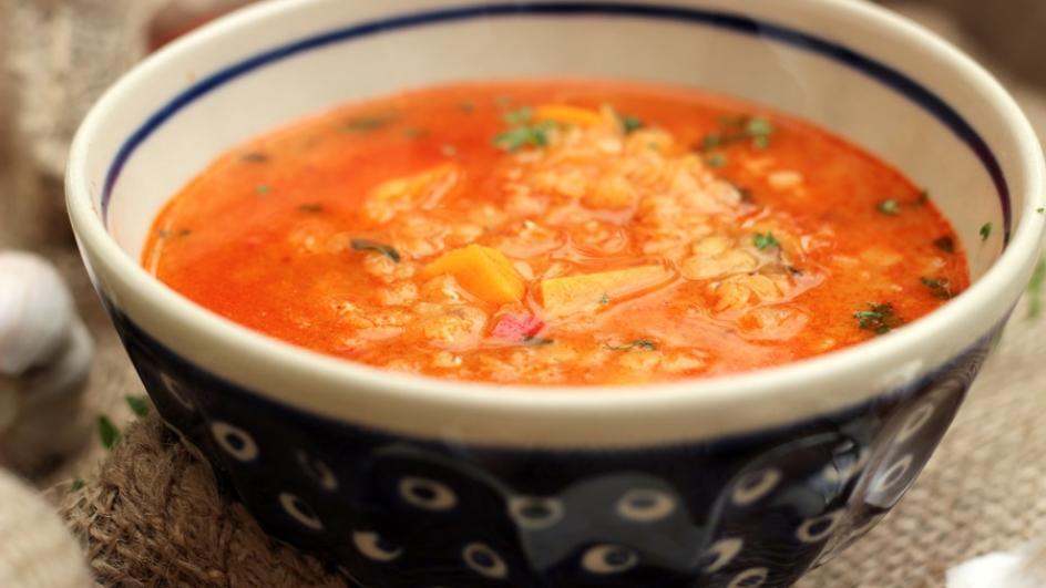 Zupa z soczewicy i batatów z mlekiem kokosowym
