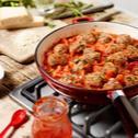 Fleischbällchen mit Tomaten-Paprika-Sauce