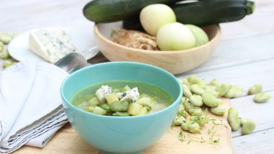Zupa ze świeżego bobu z serem pleśniowym