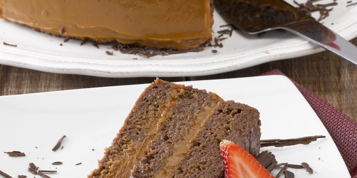 Torta de Cuatro Leches y Chocolate
