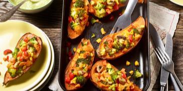 Gefüllte Süßkartoffeln mit Gemüse