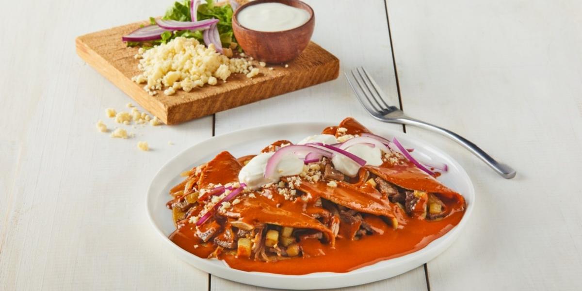 Enchiladas de bistec en salsa pasilla