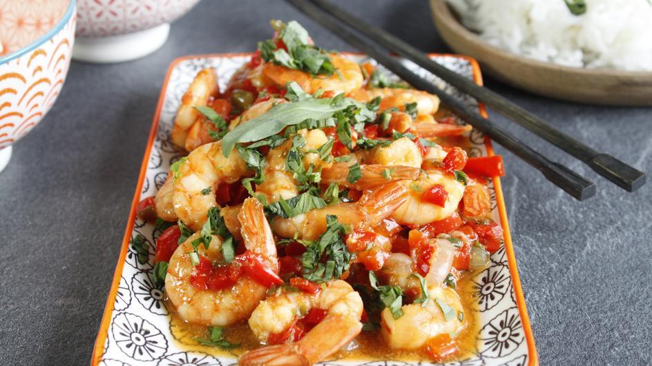 Garnelen mit Paprika, Thai-Basilikum und MAGGI-Würze