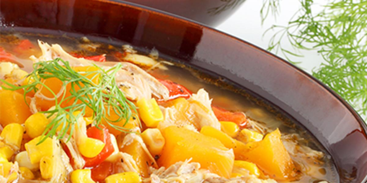 Caldillo de pollo y maíz