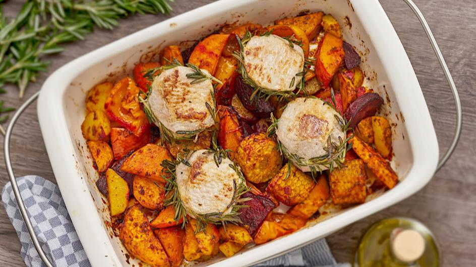 Herbstliches Ofengemüse mit Rosmarin-Schweinefilet