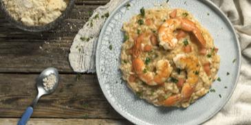 Ριζότο με γαρίδες και ντομάτα από τον Άκη Πετρετζίκη