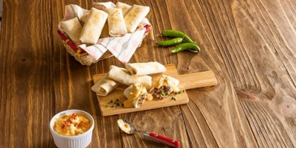 Burritos con dip de chorizo